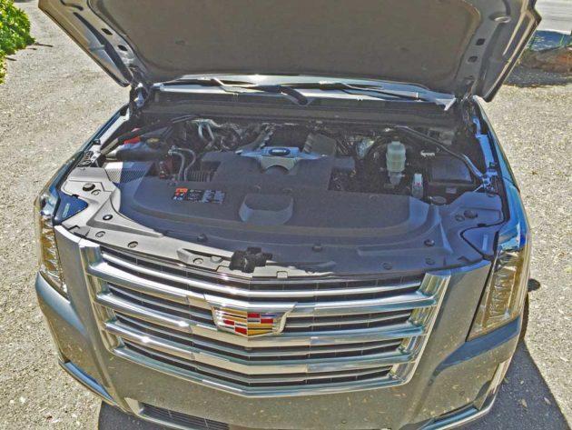 Cadillac-Escalade-Plat-Eng