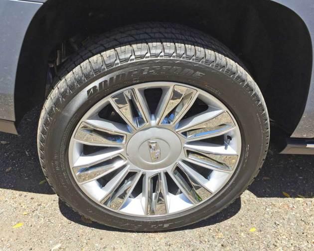 Cadillac-Escalade-Plat-Whl