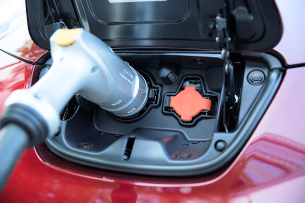 2016 Nissan Leaf plug