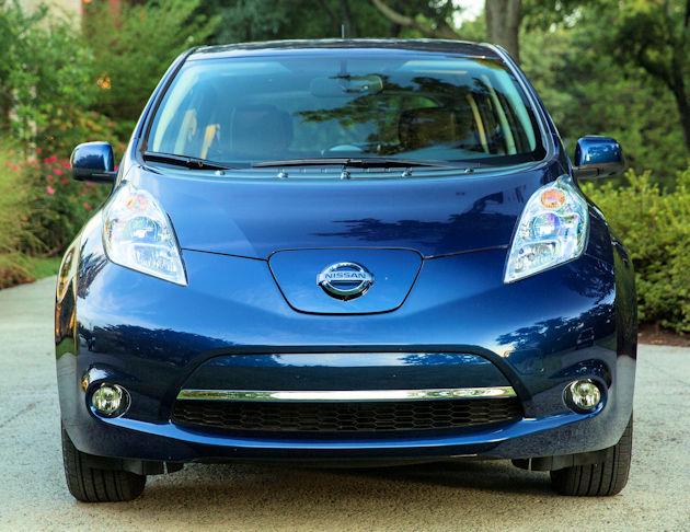 20162867 Nissan Leaf front