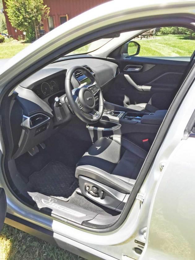 Jaguar-F-Pace-Int