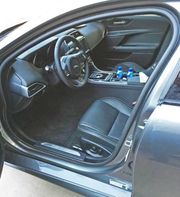 Jaguar-XE-Sdn-Int
