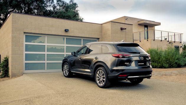 2016 Mazda CX-9 rear q 2