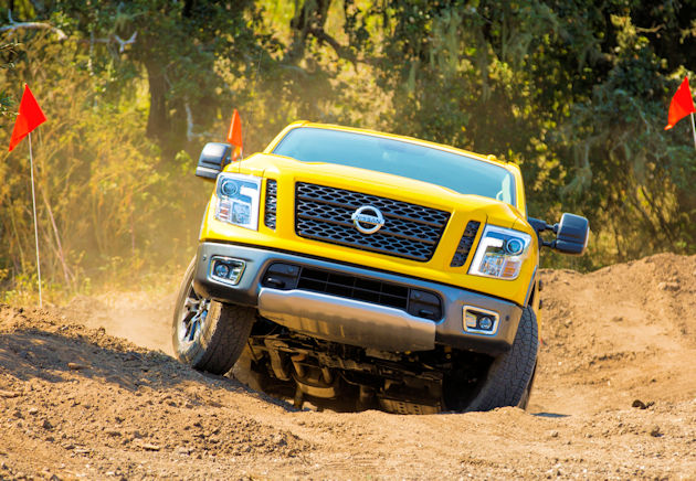 2017 Nissan Titan front off road