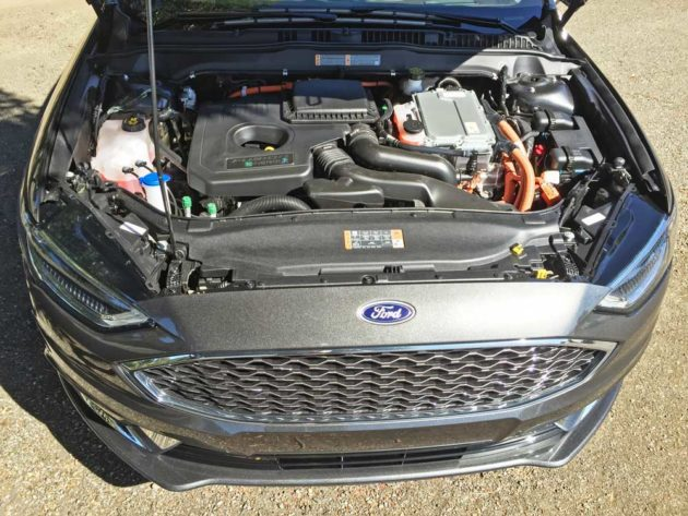 Ford-Fusion-Energi-Eng