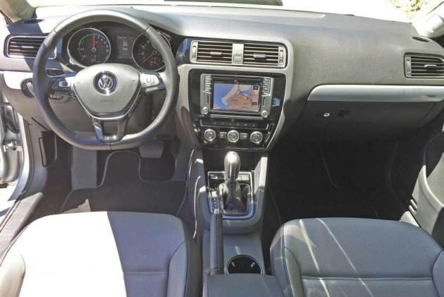 VW-Jetta-Hybrid-Dsh
