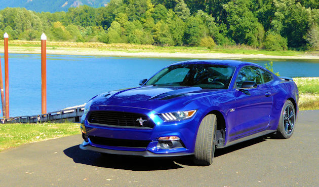 2016-ford-mustang-gt-coupe-front-q2