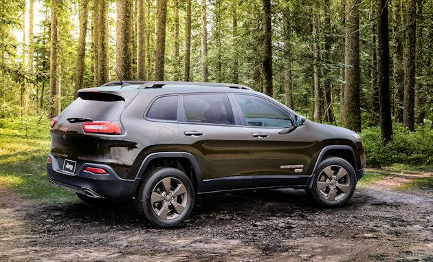 2016-jeep-cherokee-rear-q
