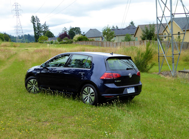 2016-volkswagen-egolf-rear-q