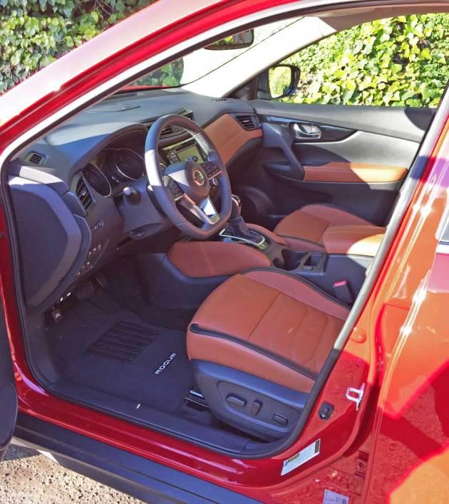 Nissan-Rogue-SL-AWD-Int