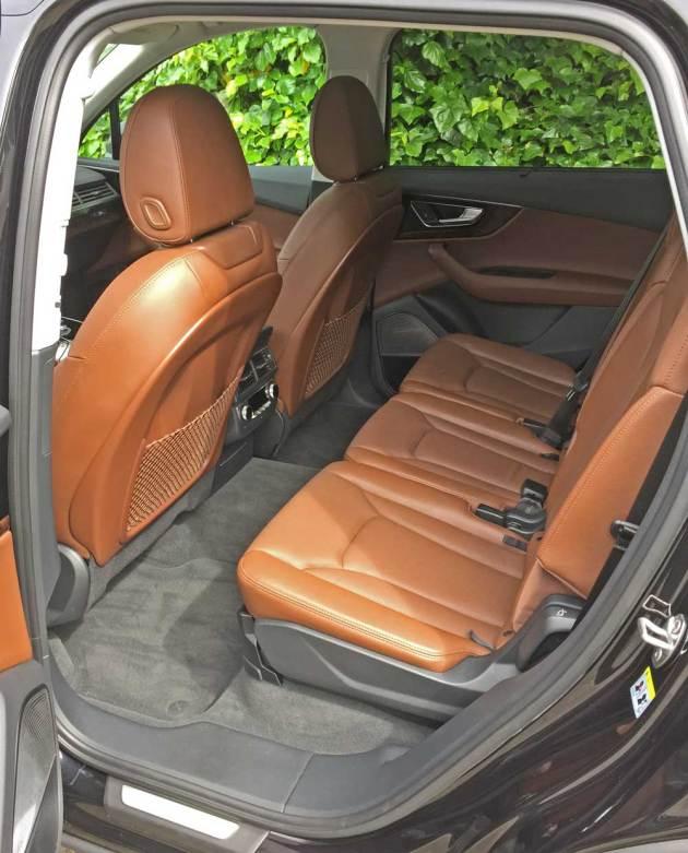 Audi-Q7-3.0T-RInt