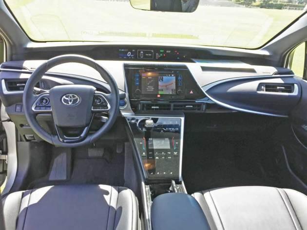 Toyota-Mirai-Dsh