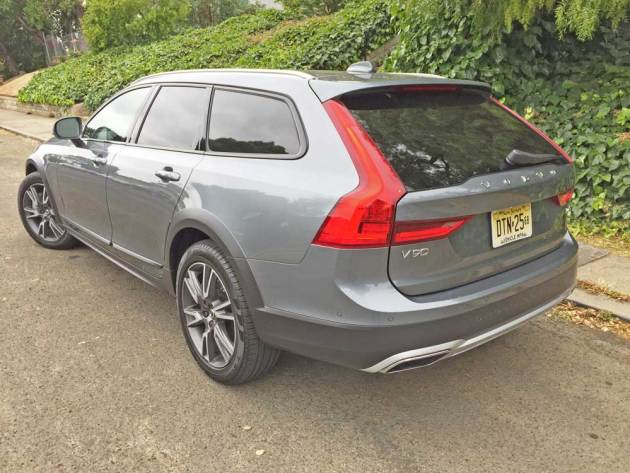 Volvo-V90-T6-Cross-Country-LSR