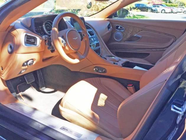 Aston-Martin-DB11-V8-Int