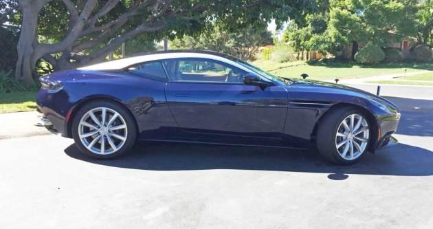 Aston-Martin-DB11-V8-RSD