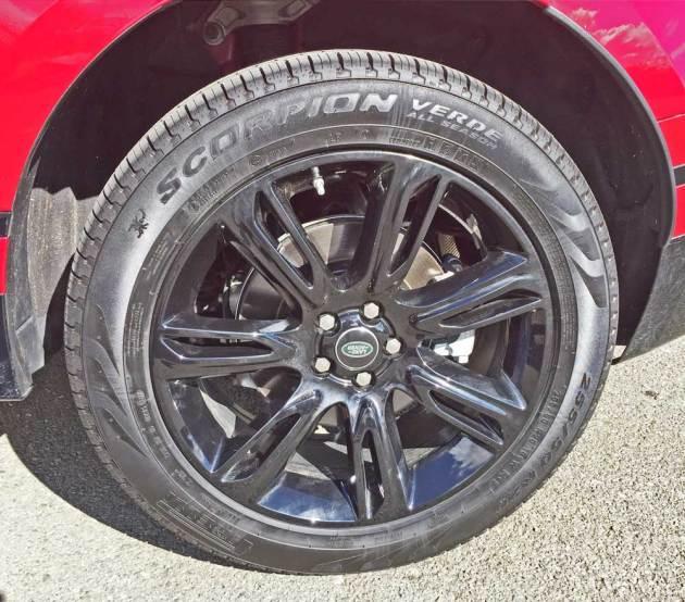 Range-Rover-Velar-Whl