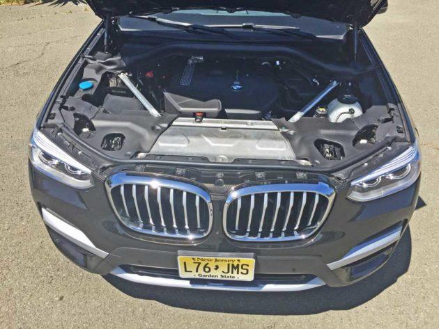 BMW-X3-30i-Eng1