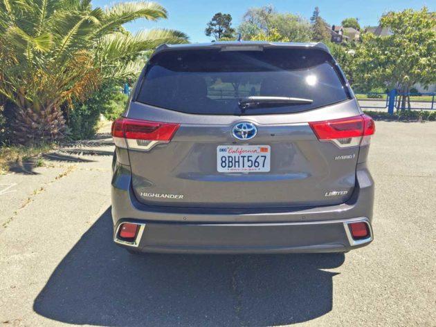 Toyota-Highlander-Hybrid-Tail