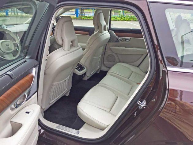 Volvo-V90-T6-RInt
