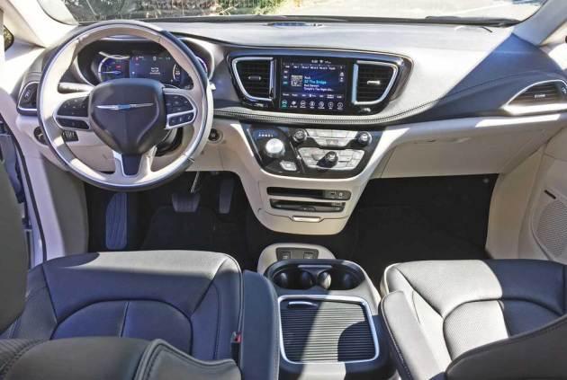 Chrysler-Pacifica-Hybrid-Dsh
