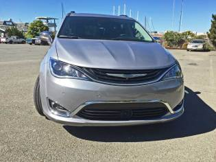 2018 Chrysler Pacifica Hybrid Limited Test Drive