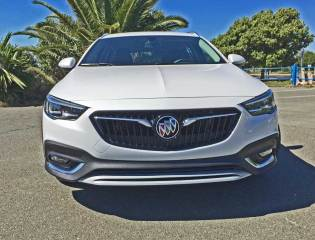 2018 Buick Regal TourX Essence AWD Test Drive