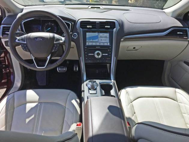 Ford-Fusion-Plat-Hybrid-Dsh