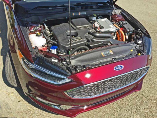 Ford-Fusion-Plat-Hybrid-Eng