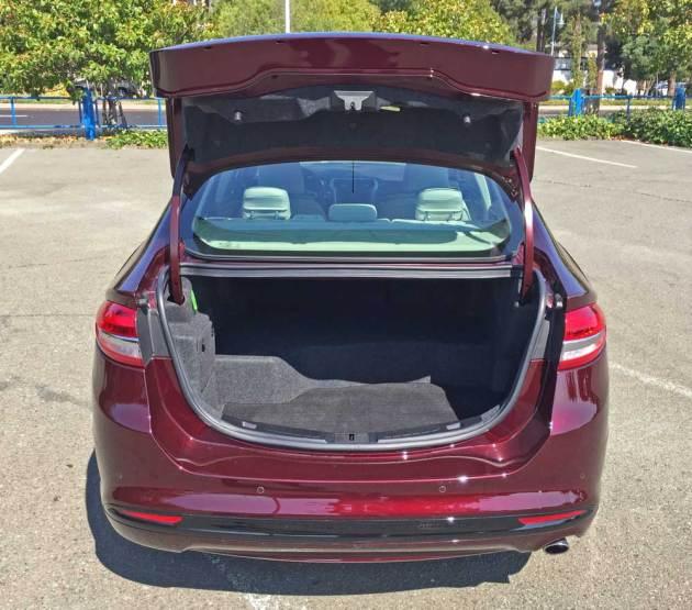 Ford-Fusion-Plat-Hybrid-Trnk