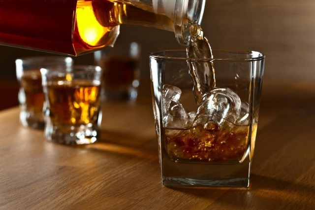 दशैमा मदिरा : अल्कोहल कति मात्रामा सेवन गर्न सकिन्छ ? मदिराबारेका तथ्य