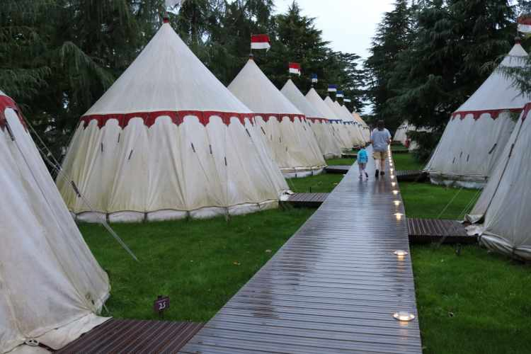 I Just Have To Get This Off My Chest >> Knights Village Glamping at Warwick Castle - A Review
