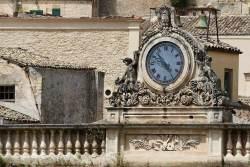 Modica's clock.