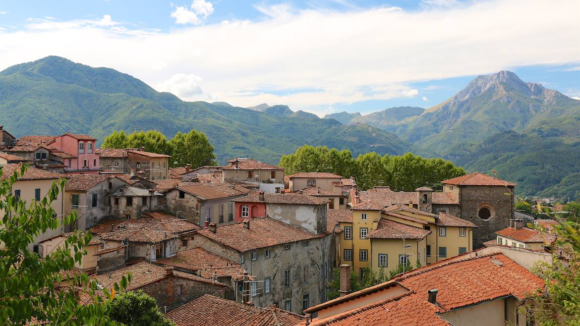 The town of Barga.