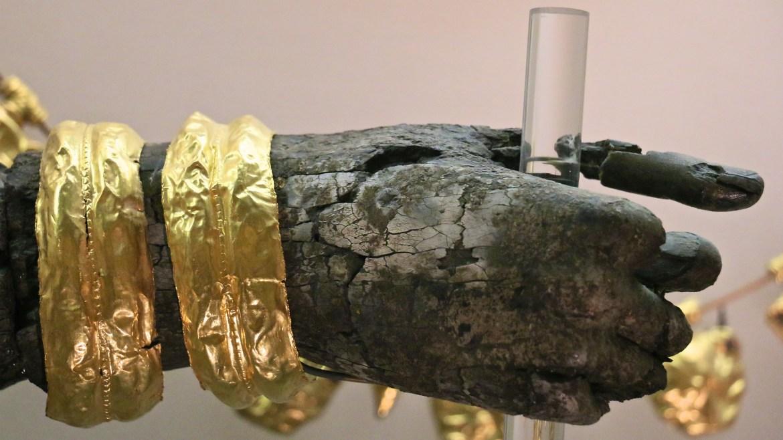 Gold braclets