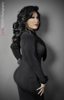 Regine Phillips - Photo by Candy Moon Photography