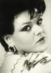 Mona Desmond
