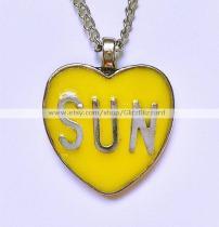 Glitz Blizzard sun necklace