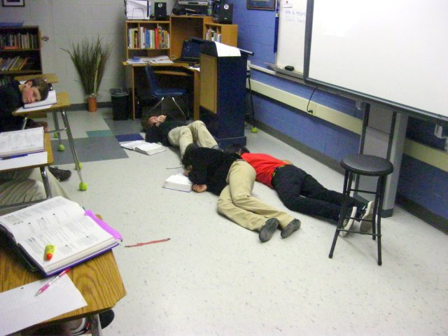 """The """"corpses"""" of Romeo, Juliet, and Paris during fourth period"""