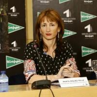 Marta Míguez, secretaria xeral para o Deporte, na mesa redonda sobre 'A muller no deporte' no IES Blanco Amor