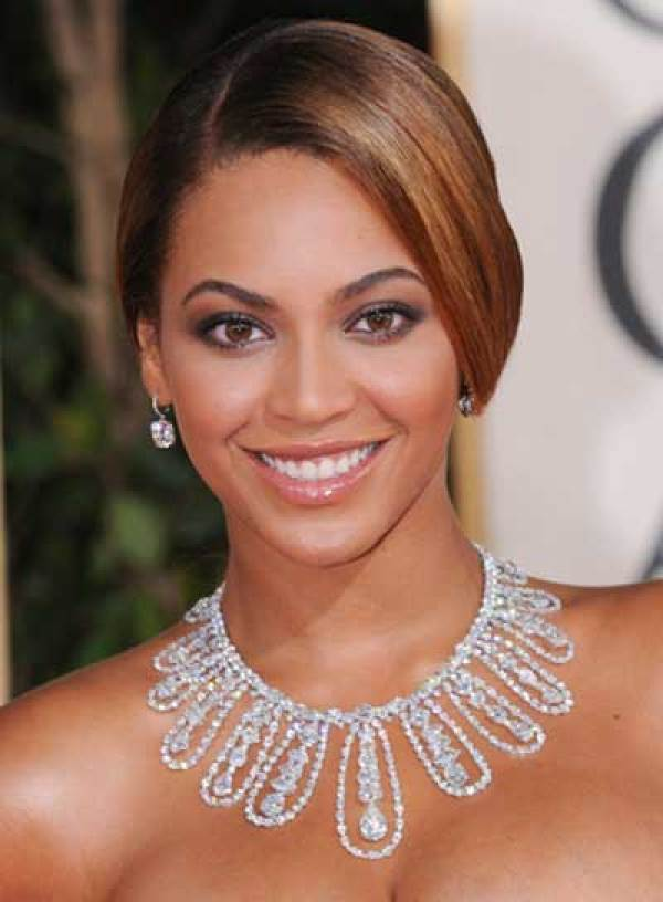 Beyonce Romantic and Sleek Updo