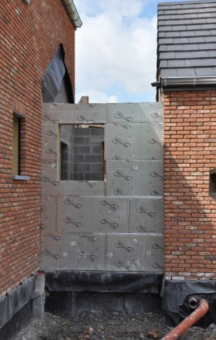 Futur mur en moellons