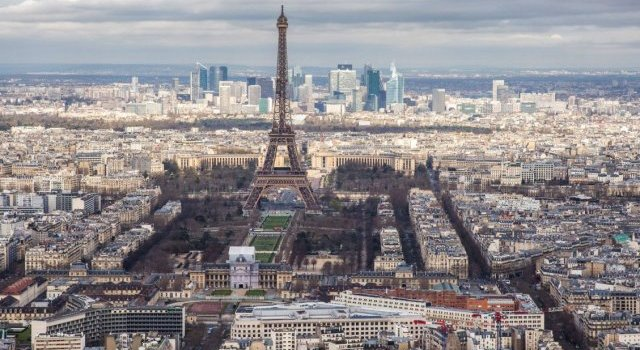 У Парижі повітря стало чистішим вперше за 40 років