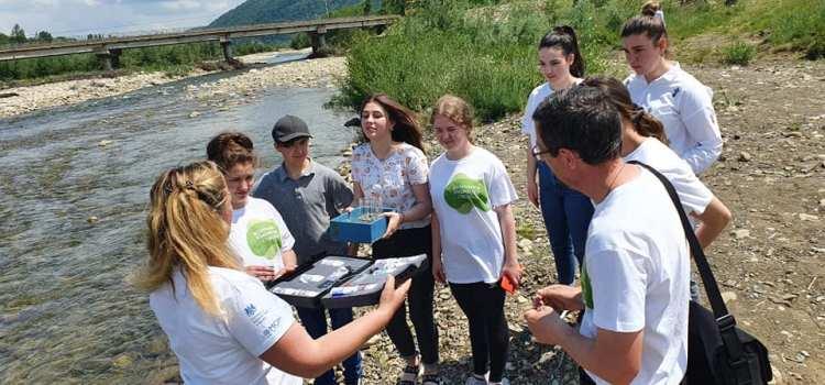 Учні манявського ліцею навчалися досліджувати водні ресурси