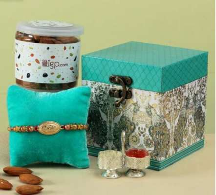 personalised rakhi gift hampers for brother