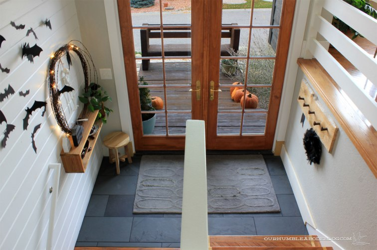entry-slate-tile-from-top-of-stairs