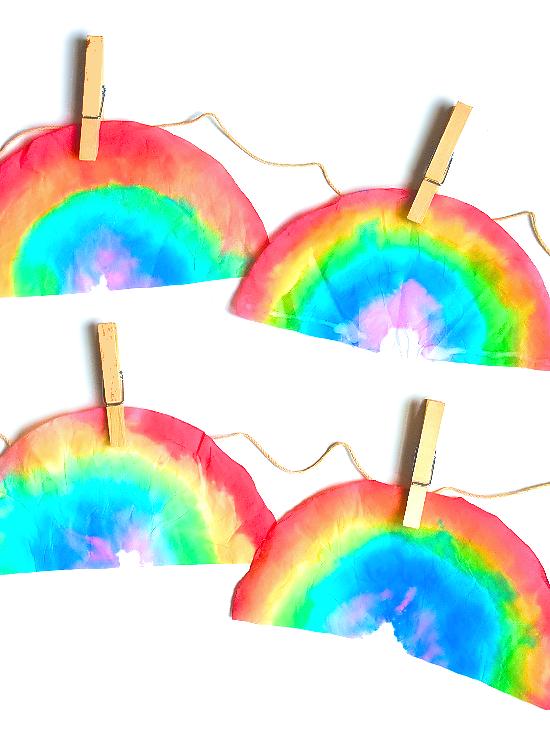 Coffee Filter Watercolor Rainbows #StPatricksDay #art #watercolors #rainbow #kidart #spring