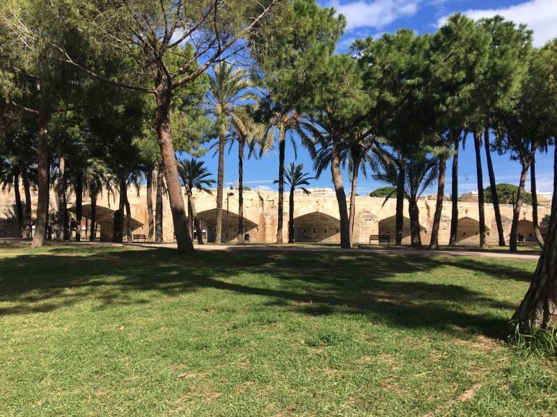 Jardín del Turia, the bridge - ourleapoffaith city walking tour of València Spain