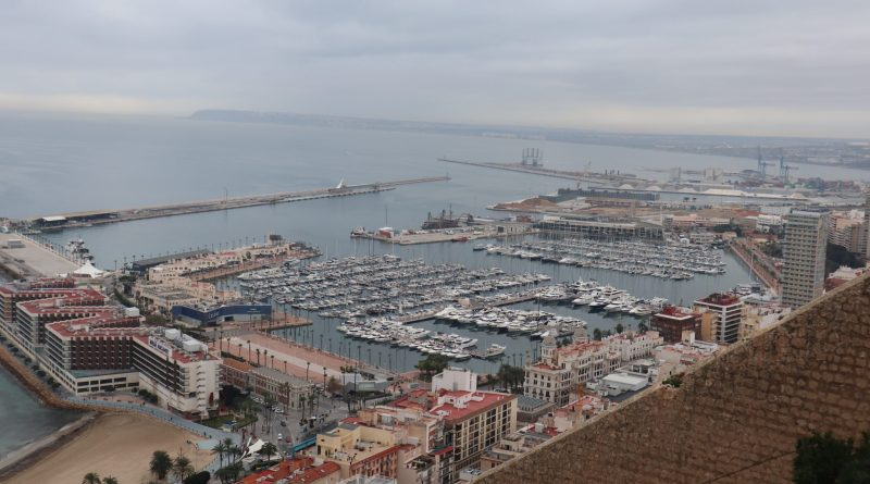 Alicante- Airport city or Cultral Hub ?