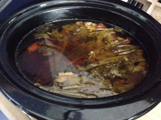 cooked-chicken-broth-in-crockpot