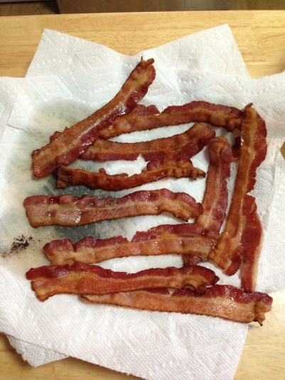 bacon-drained-on-paper-towels
